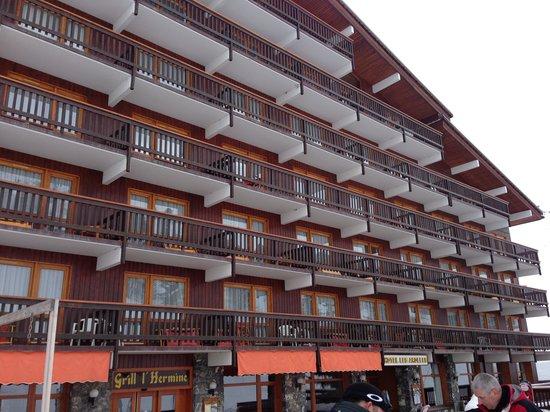 Hotel Les Arolles : le batiment