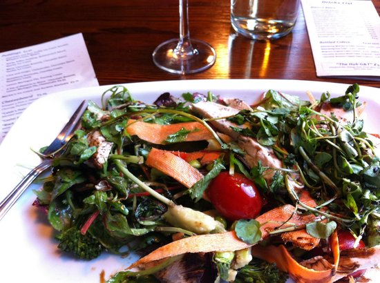The Hub Alehouse and Kitchen : Super superfood salad!