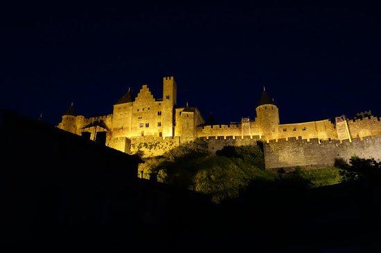 La Posada del Castillo B&B : Carcassonne at night