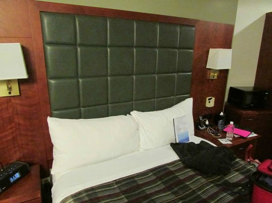 Club Quarters Hotel, Central Loop: Bed