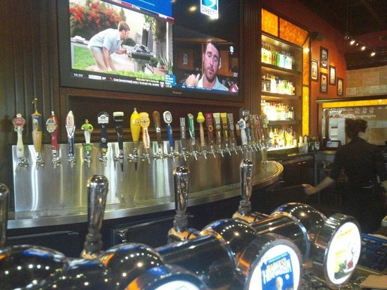 BJ's Restaurant & Brewhouse: Look at all those beers!!
