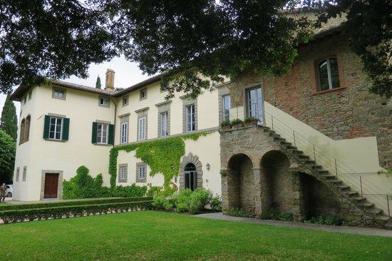 Villa di Piazzano: Front of hotel