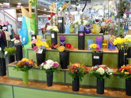 Covent Market: Fresh flowers for sale at entracne