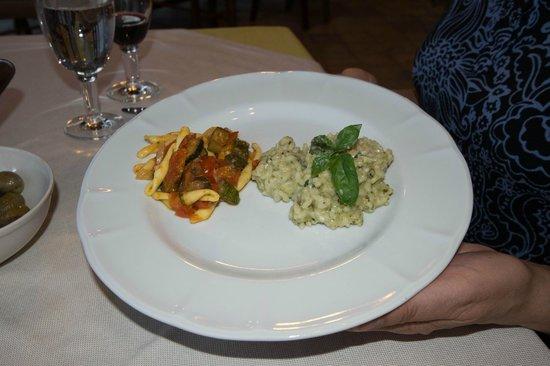 Agriturismo Marino - La Locanda del Notaro: Handmade pasta with vegetables; pesto risotto