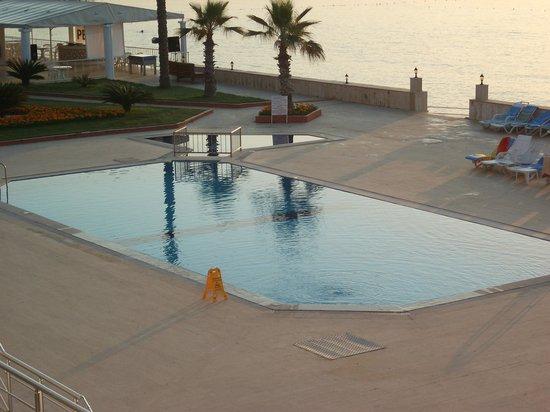Hotel Peker: havuz