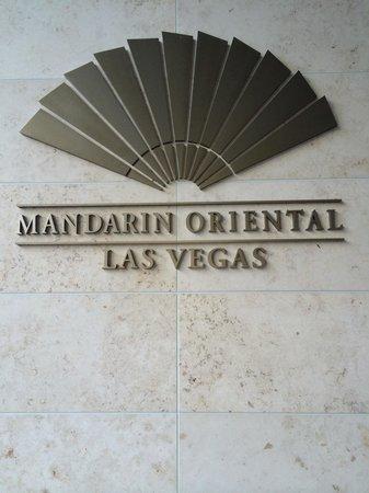 Mandarin Oriental, Las Vegas: Out Front