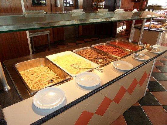 Auramar Beach Resort: Ontbijtbuffet