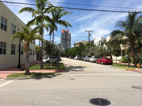 The Fountain Condominium Hotel : Euclid Ave