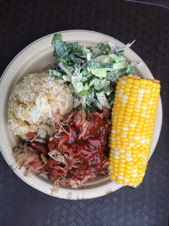 Sweet Home Waimanalo: Pulled pork plate with excellent corn.