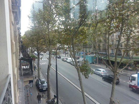 Ibis Paris Ornano Montmartre North 18th: .-