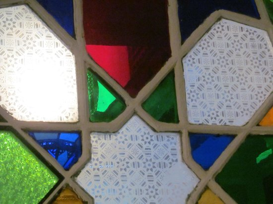 Riad Arous Chamel: love the glass!!!