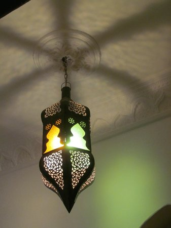Riad Arous Chamel: hallway light - so many fab lights here