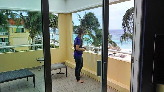 Curacao Marriott Beach Resort & Emerald Casino: patio