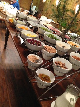 Kennedy Hotel : Breakfast - Fruits and Cereals