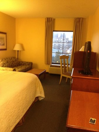 Hampton Inn & Suites New Orleans Convention Center: My room