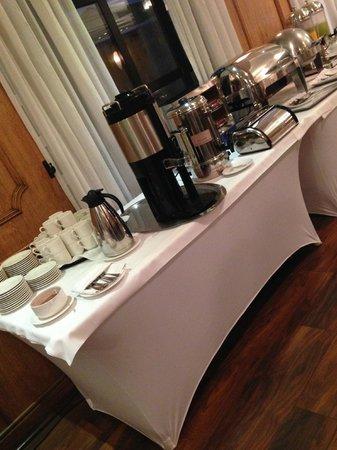 Kennedy Hotel: Breakfast - Hot Foods/Beverages