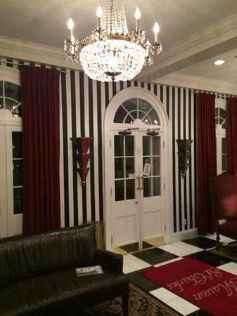 Quality Inn & Suites Maison St. Charles : Lobby