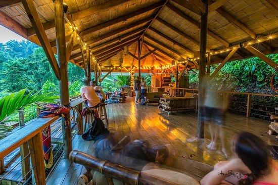 Piedras Blancas, Costa Rica: Happy Hour in El Rancho, photo by Matt Berglund