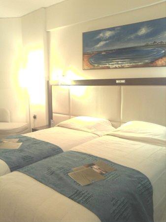 Golden Bay Beach Hotel: номер