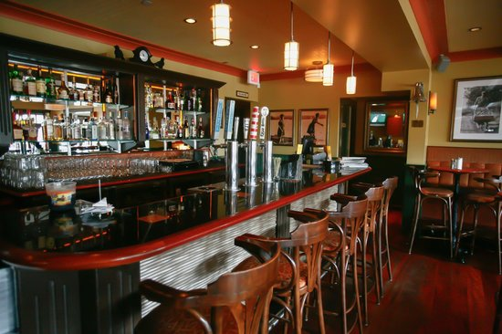 Salt Spring Inn: All Craft Brews