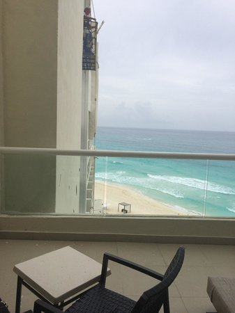 Sun Palace: Paid $200 to upgrade to big balcony and its been filthy with painters lurking, making our honeym