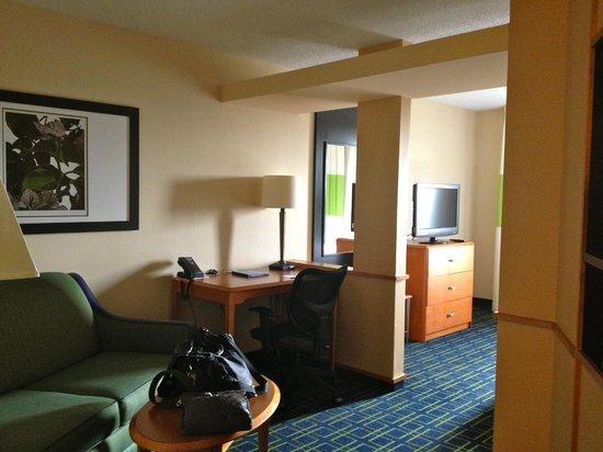 Fairfield Inn & Suites Roswell: Suite area