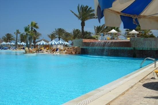 Winzrik Resort & Thalasso Djerba : piscine