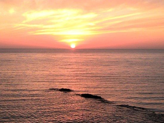 Approdo Resort: tramonto dalla camera