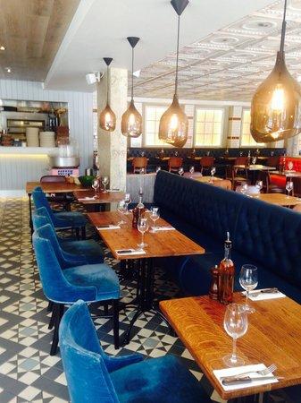 Wildwood Restaurant & Bar: We love our lighting!