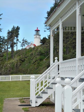 Heceta Head Lighthouse: Stay overnight in the light keeper's house!