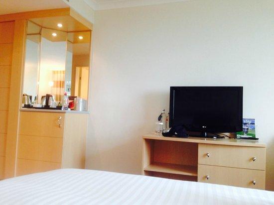 Hilton Duesseldorf : La chambre