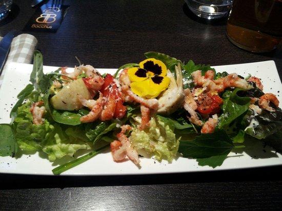 Le bistrot de bacchus : Salade d'écrevisses. Salade variée: salade verte, épinard, ...