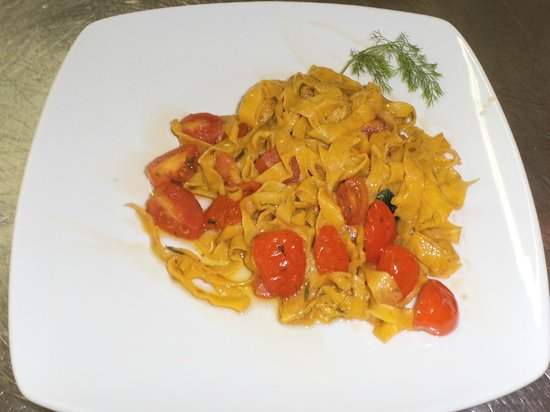 Osteria dai Feliciotti : Tagliatella sorta al crudo di pomodoro