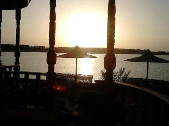 Sweet Home Egypt: Sonnenuntergang von unserer Terrasse