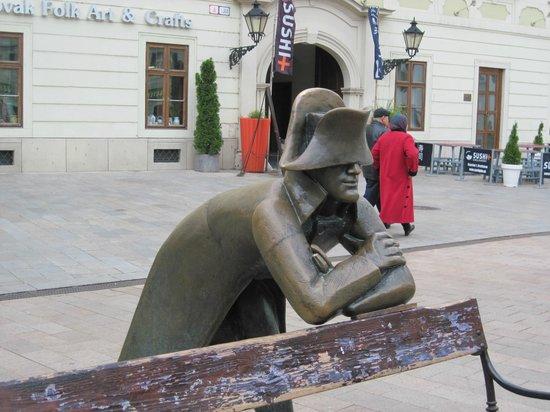 "Casco antiguo: ""Napoleon's Soldier""Sculpture"