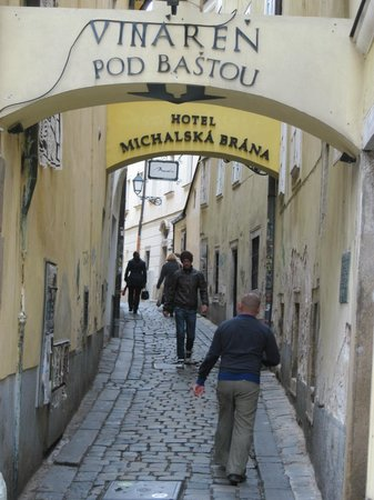 Casco antiguo: Bratislava Cobblestone Street