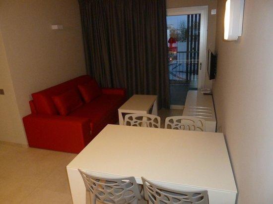 Ryans Ibiza Apartments: Living Room onto Balcony