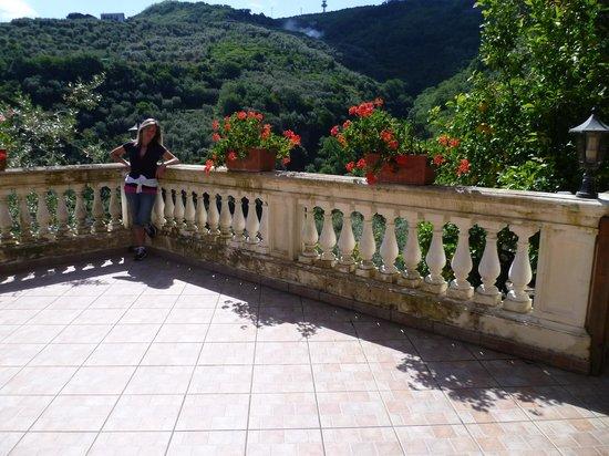 Casarufolo Paradise : terrazza di ingresso
