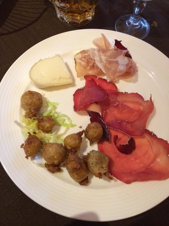 Hotel Ristorante Cervo: Sciat,slinzeca ,spek e formaggio