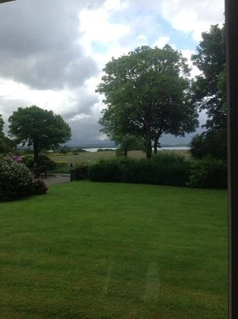 Loch Lein Country House: The view from our window.