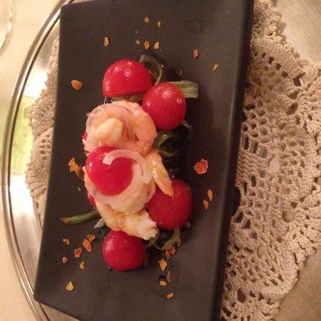 Da Marino al Saint Remy: Entrée - gamberi in insalata di pomodori pachino, sedano e cipolle