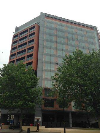 Park Plaza London Riverbank: albergo visto da fuori