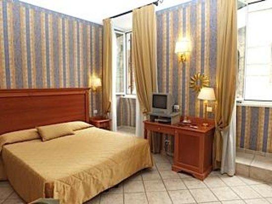 Hotel Golden: Room #111