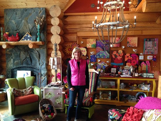 Matanuska Lodge: Inside the lodge May 2014