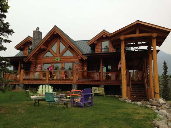 Matanuska Lodge: front of lodge