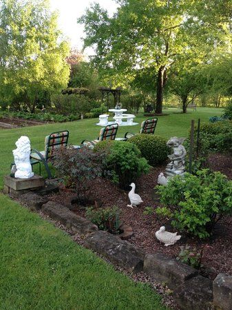 Marshlands Inn: Garden