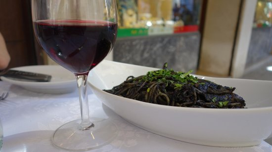 Osteria Leon Bianco : Cuttlefish Pasta