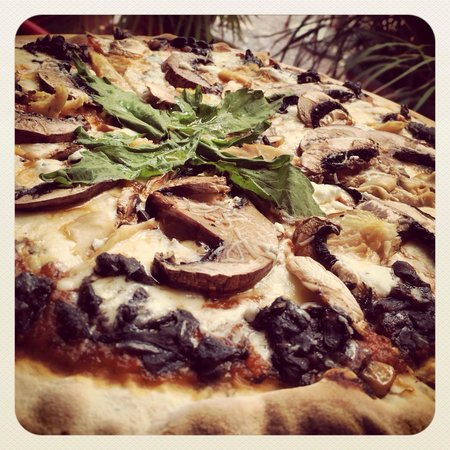 Raggio Cucina Casual: Pizza de hongos