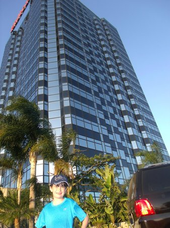 Hilton Los Angeles/Universal City: My son in front of the Hotel