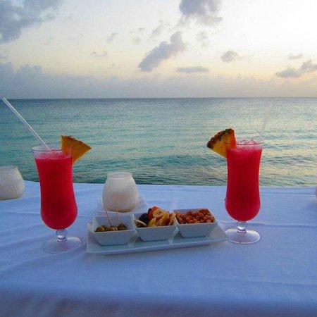 Belmond La Samanna: Private cocktails on the beach